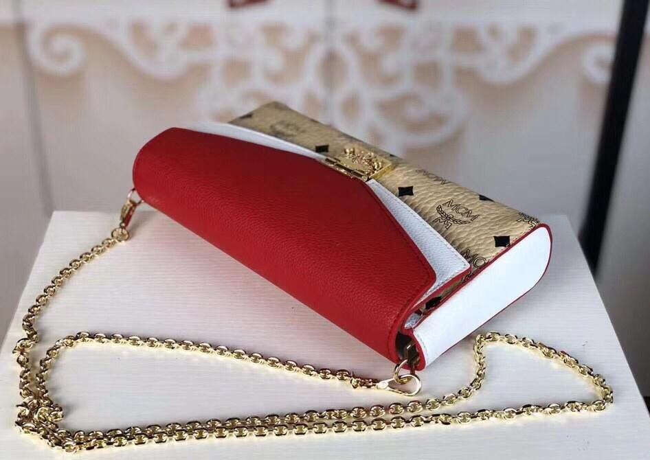 MCM Mille系列双皮盖链条包 翻盖设计 经典Visetos图案材质组合及色块皮革 米白拼大红
