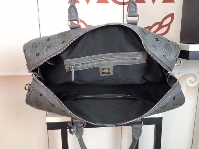 MCM包包批发 Traveler Visetos周末旅行包 耐用的Visetos印花涂层帆布与粘合衬里制成 深空灰