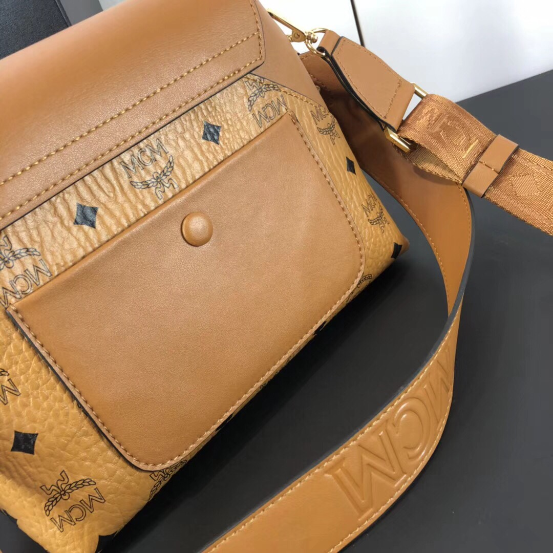 MCM 19款经典Viseto印花Essential斜挎包 经典印花涂层帆布配原版牛皮革 土黄