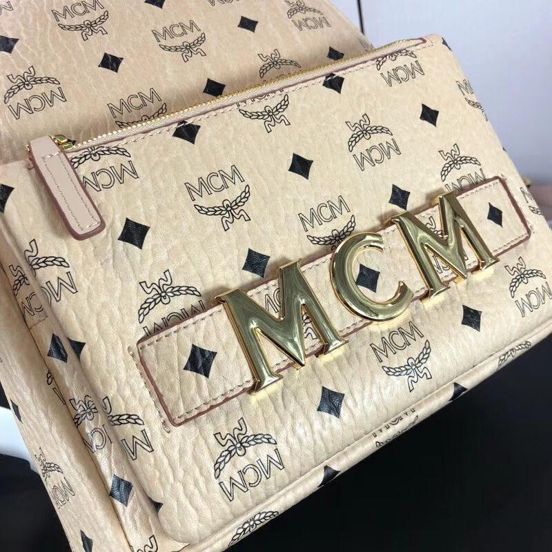MCM Trilogie Stark Viseto双肩包 彰显传统设计理念 主隔层宽敞 米白