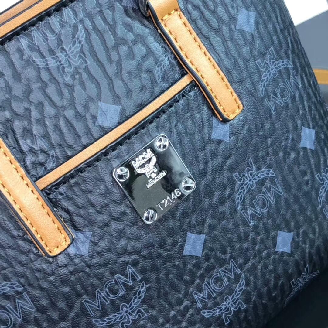 MCM2019新品 Anya Visetos顶部拉链mini购物袋 经典logo印花配PVC帆布底面料 黑色