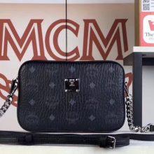 MCM Original相机包(黑色)经典Visetos印花涂层料配牛皮 曲线利落的相机包