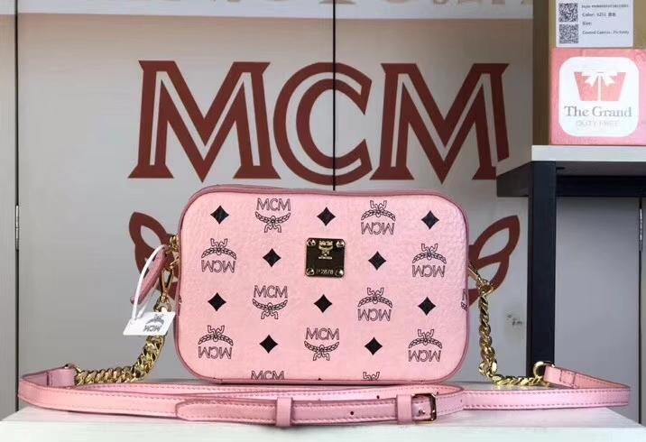 MCM Original相机包(冰淇淋粉)经典Visetos印花涂层料配牛皮 曲线利落的相机包
