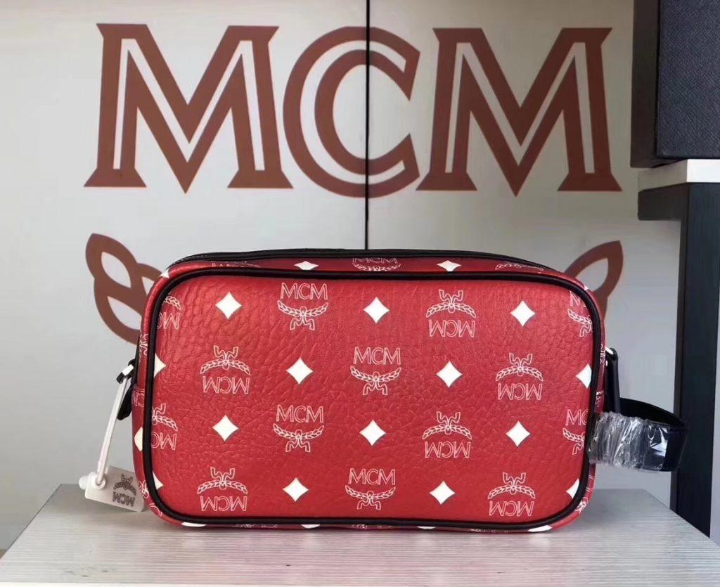 MCM 秋冬新款 经典Visetos印花(大红)相机包/斜挎单肩包/可手提  独特简约百搭款