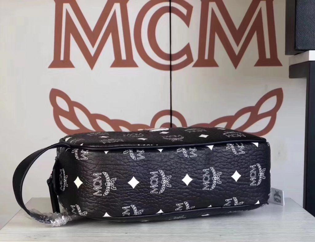 MCM 秋冬新款 经典Visetos印花(黑色)相机包/斜挎单肩包/可手提  独特简约百搭款