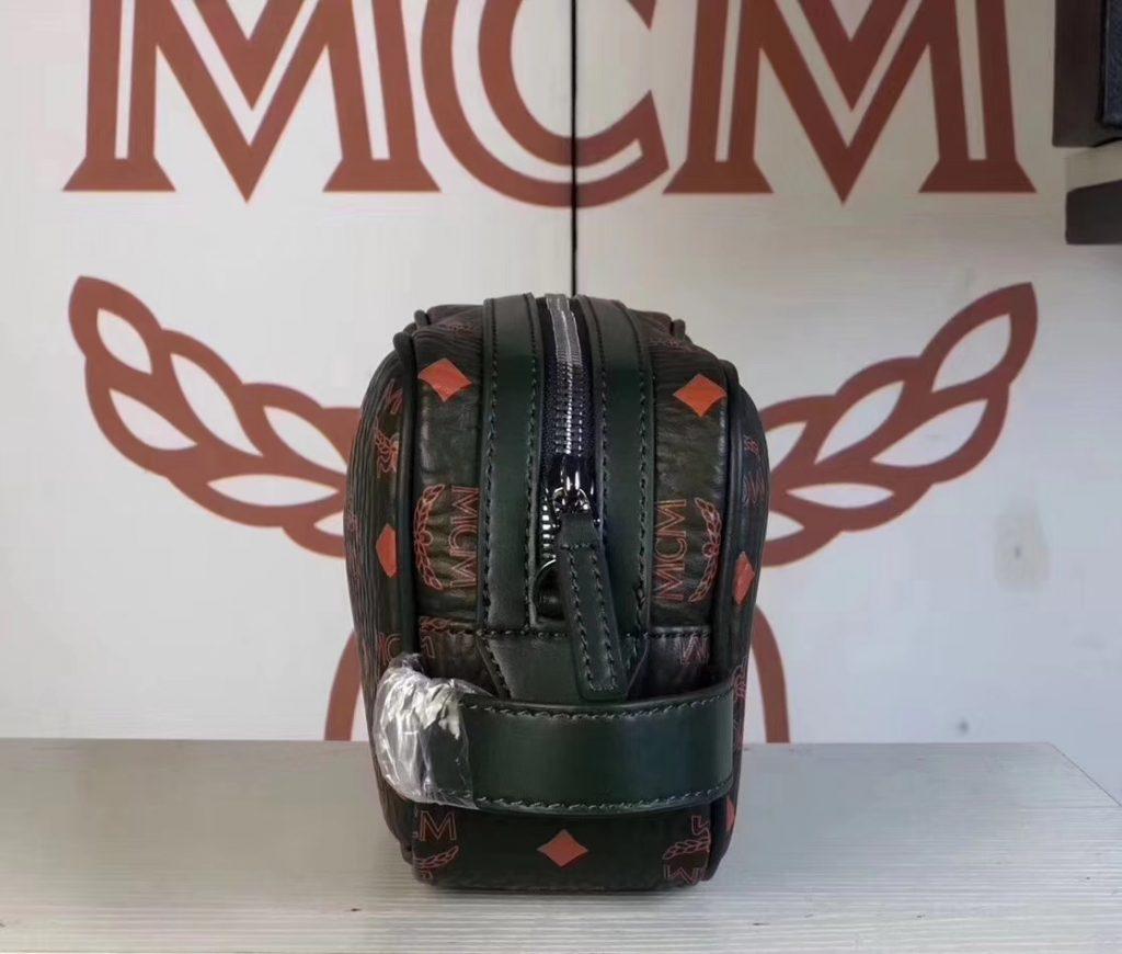 MCM 秋冬新款 经典Visetos印花(棕色)相机包/斜挎单肩包/可手提  独特简约百搭款