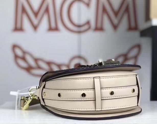 MCM Patricia Visetos假日系列mini号 乔欣吴宣仪同款单肩包 经典印花饰以半月形包身轮廓