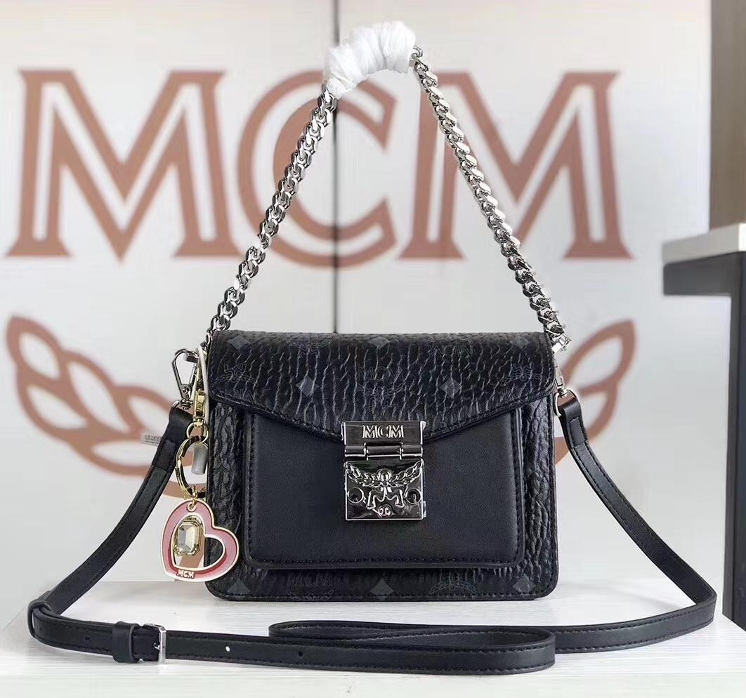 MCM Patricia mini风琴斜挎包 经典Visetos制成 时尚别致