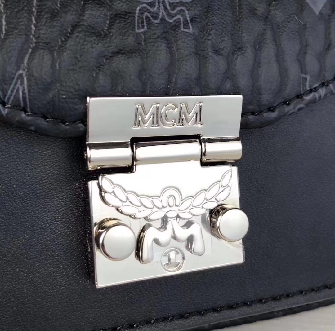 MCM PATRICIA VISETOS系列 女士mini腰包/风琴包 可以当腰包和胸包使用