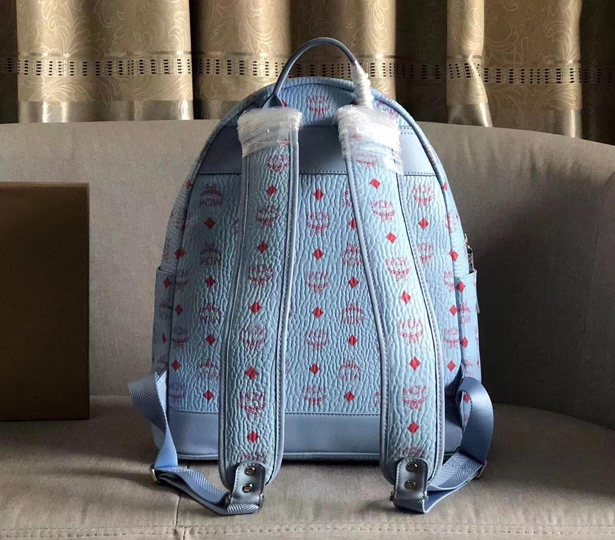 MCM经典双肩包中号 实用单品 经典Visetos印花设计 轻盈的粘合涂层帆布制成