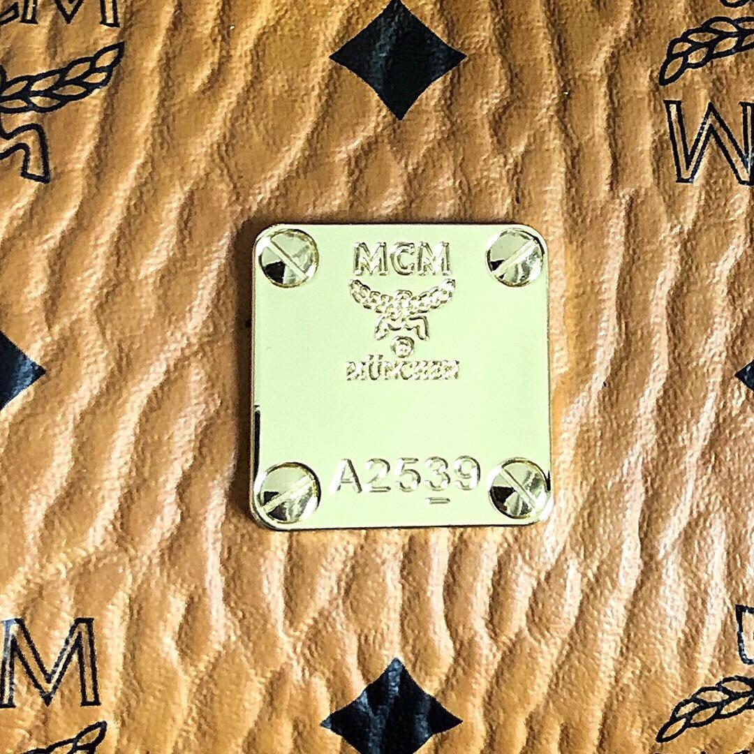 【¥360】MCM工厂直销 Kelly斜跨包迷你号 时尚名媛气质 正面翻盖有旋扣闭合