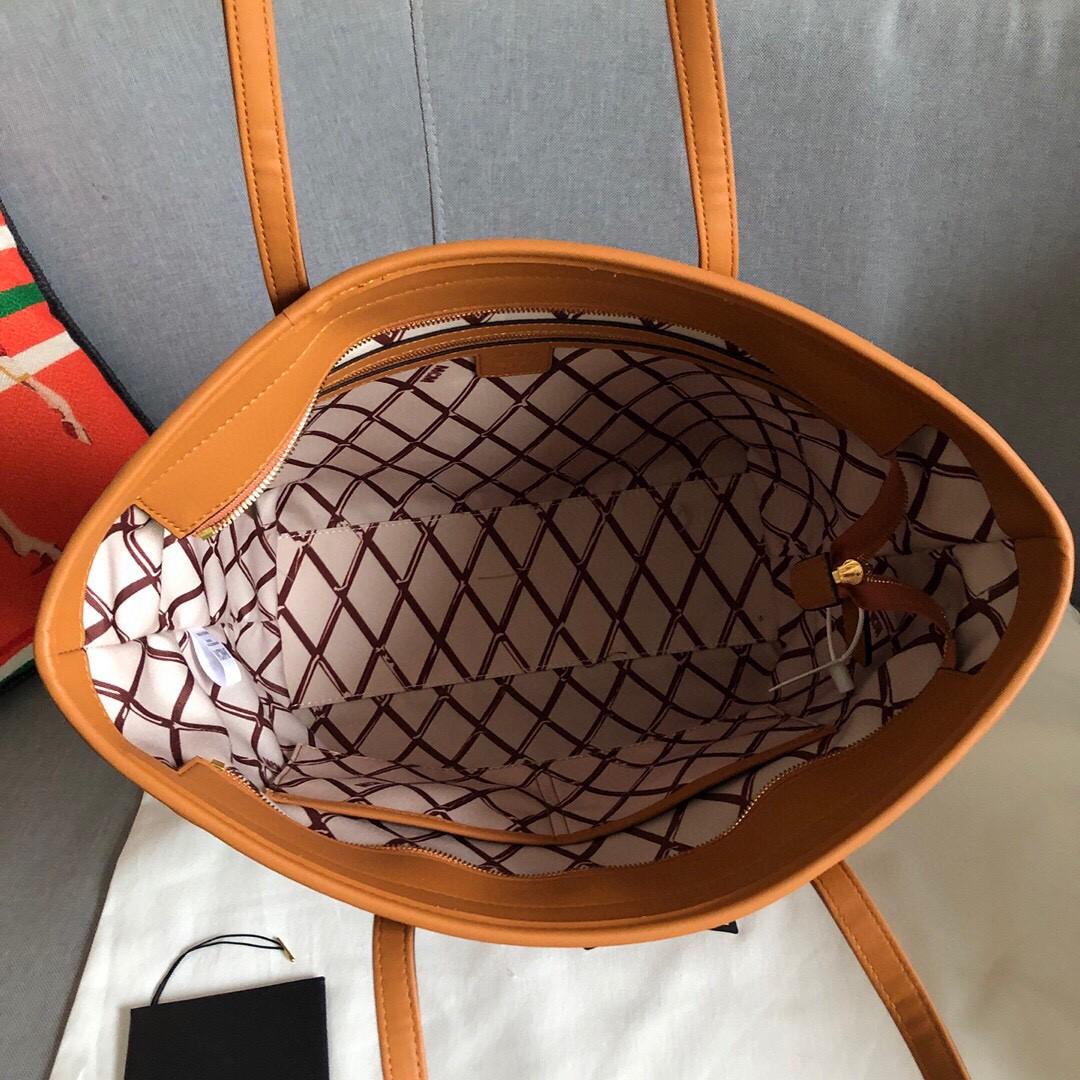 【¥420】MCM Toni Visetos购物袋 小幅度的棱角设计 经典Visetos材料制成