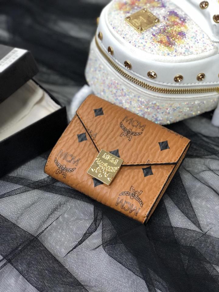 【¥180】MCM新品Patricia三折拉链钱包 小巧紧凑 线条简洁 设有多个卡片槽